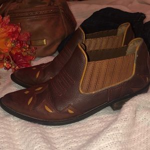 Lucky Brand Shoes - Lucky Brand sz 8 Designer Cowboy Bootie
